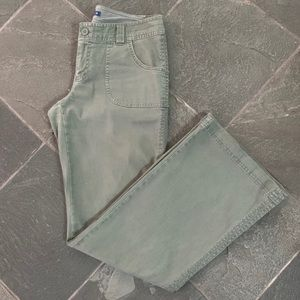 Old Navy army/olive green boot cut pants Size 4